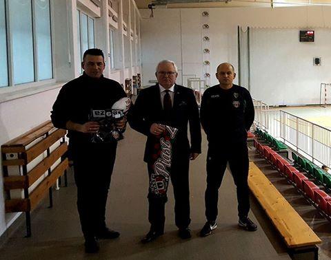 Starosta Wldemar Wysocki z prezesem i Piotrem bednarskim